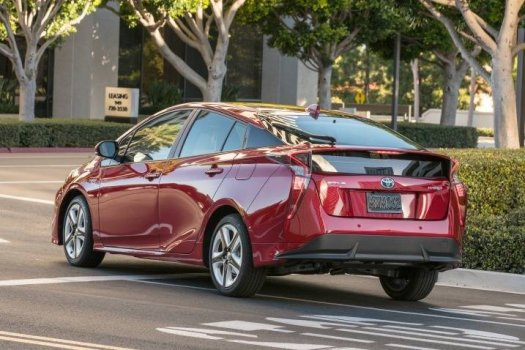 Toyota Prius Four Price in Dubai UAE