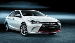 Toyota 17YM Camry 2.5L (S)
