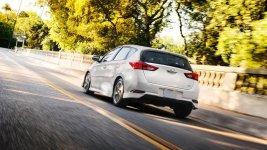 Toyota Corolla iM Manual