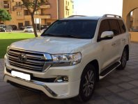 Toyota Land Cruiser 5.7L GXR