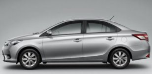 Toyota Yaris 1.3L SE
